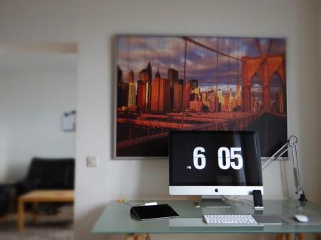 SwissMiss Big Clock Screensaver