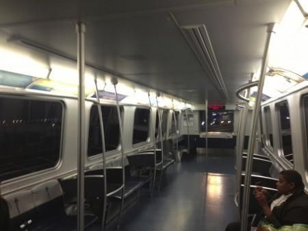 In der Air Train am Flughafen JFK in New York